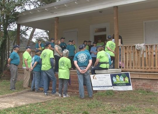 Church group from illinois again helping families have for Home builders in macon ga