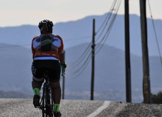Yuma's KSWT-TV catches up with Bicycle Adventure cyclists in Arizona