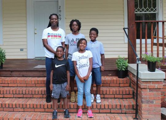 Macon mom, children and volunteers transform house into like-new home