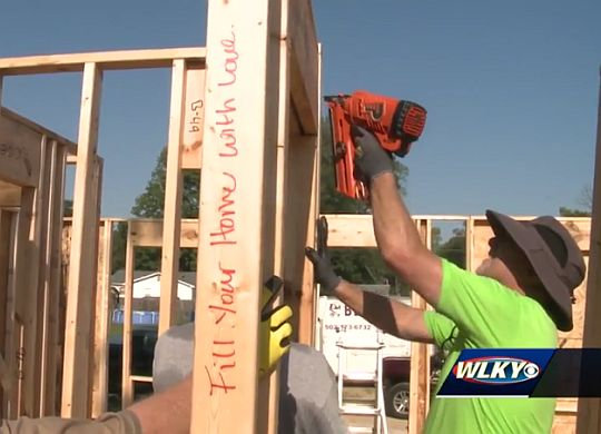 WLKY reports from three-home blitz build in Louisville's West End area