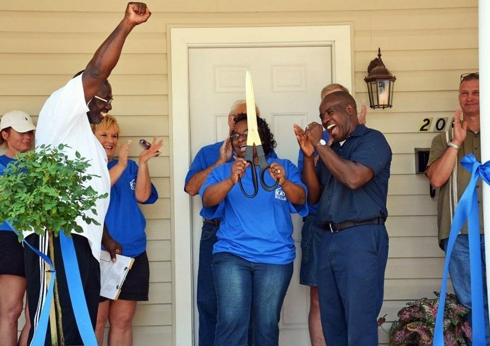 Charles and Vernita Brown cut the ribbon on their new home 7 years ago in Bossier City, Louisiana. This year, they paid off their zero-interest, no-profit mortgage.