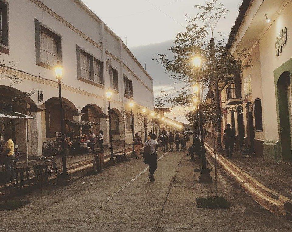 Street scene in Leon