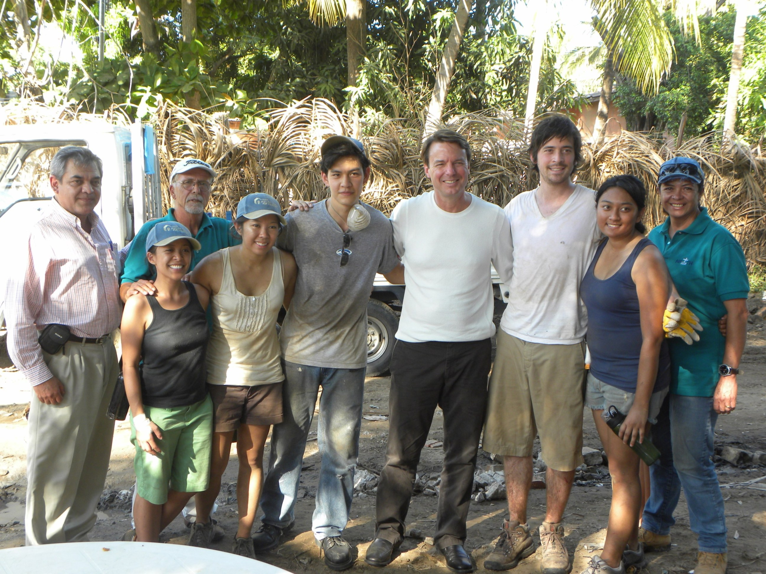 Sen. Edwards returns to El Salvador with The Fuller Center